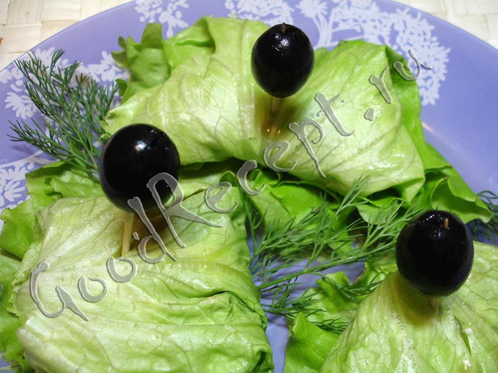 Закуска из листьев салата фото