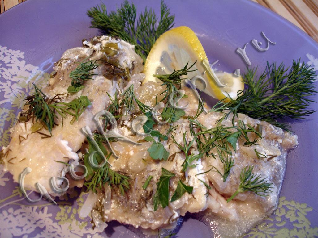 Окунь морской тушеный с луком рецепт 4