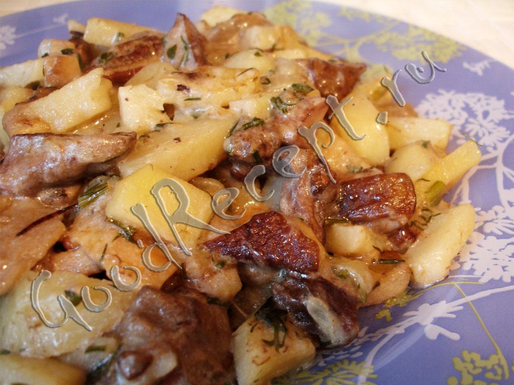 картошка с грибами жареная на сковороде с белыми