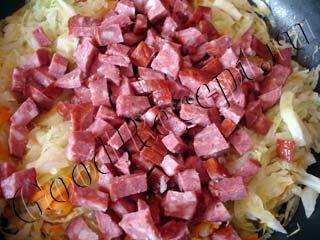 тушеная капуста с краковской колбасой
