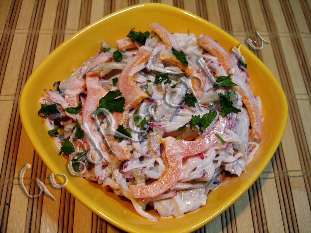 Мясной салат из перца